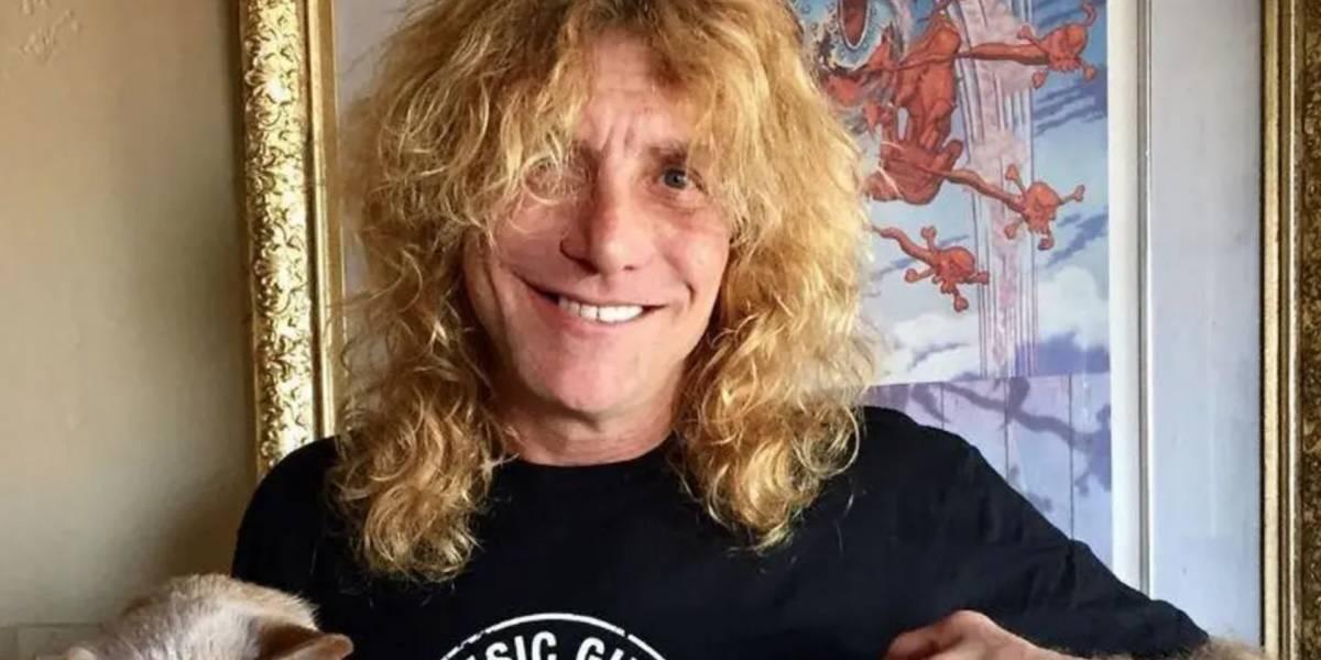 Baterista de Guns N' Roses es internado por apuñalarse a sí mismo