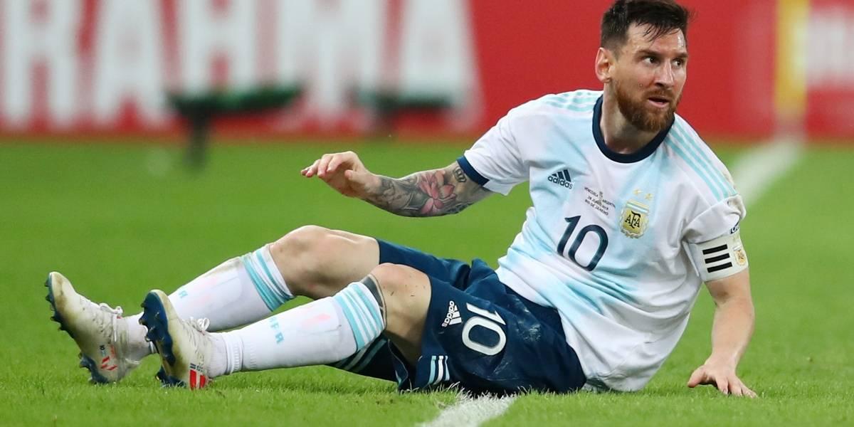 Copa América: gramados brasileiros estão uma 'vergonha', diz Messi