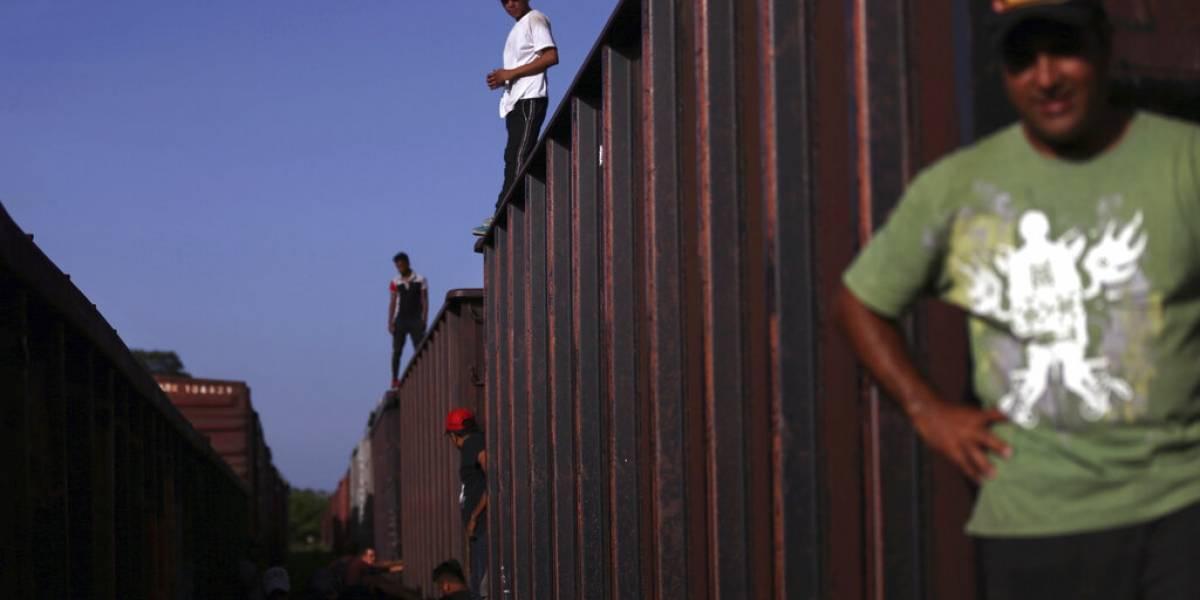 Juez federal prohíbe uso de fondos para muro fronterizo