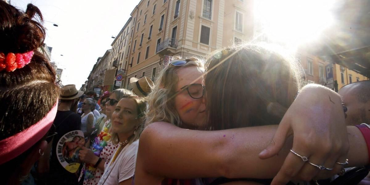 Miles participan en marchas de orgullo LGBTT alrededor del mundo