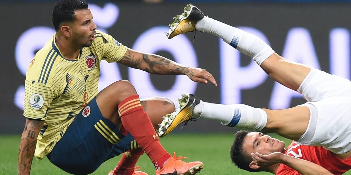 El gesto de Edwin Cardona contra Chile que pocos vieron, pero por el que lo critican en redes