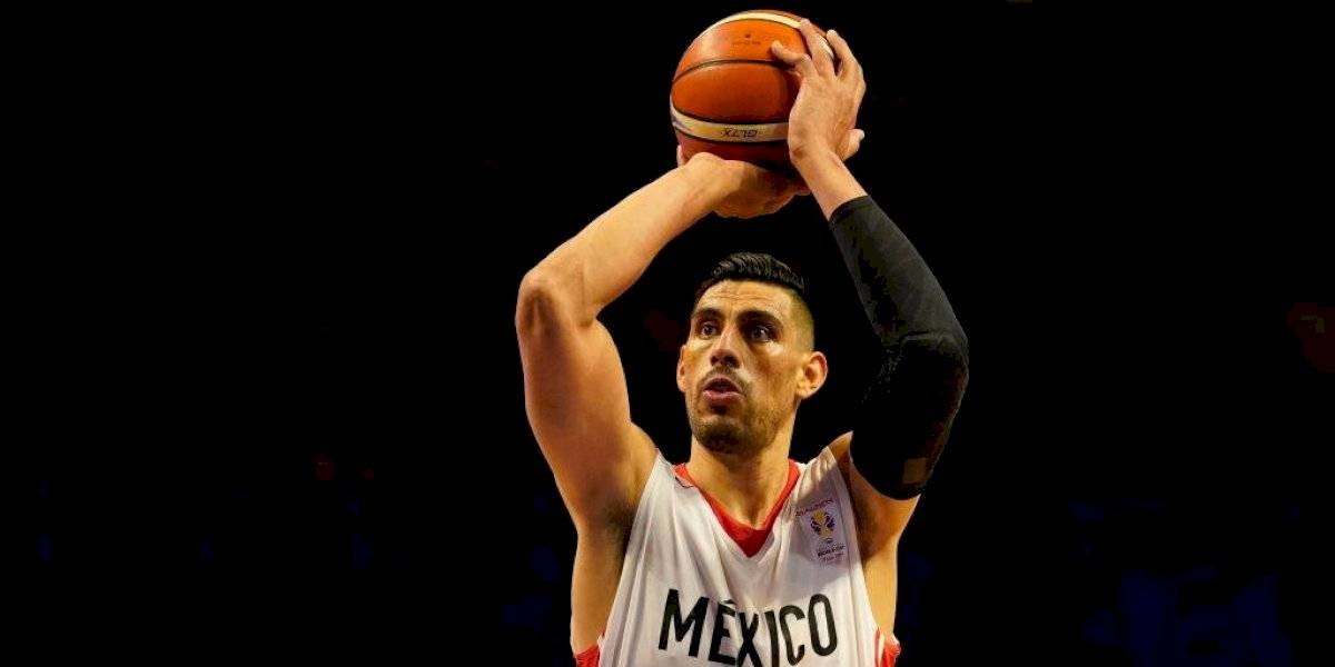 Mexicano Gustavo Ayón podría jugar junto a LeBron James