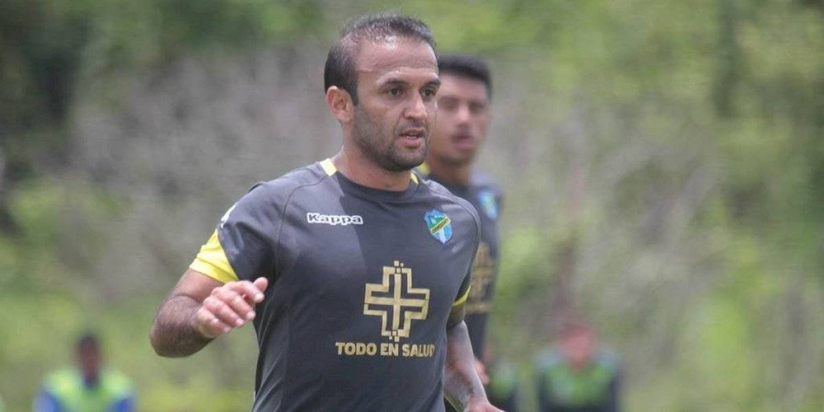 """""""El Moyo"""" Contreras recibe ánimo desde fuera de Guatemala"""