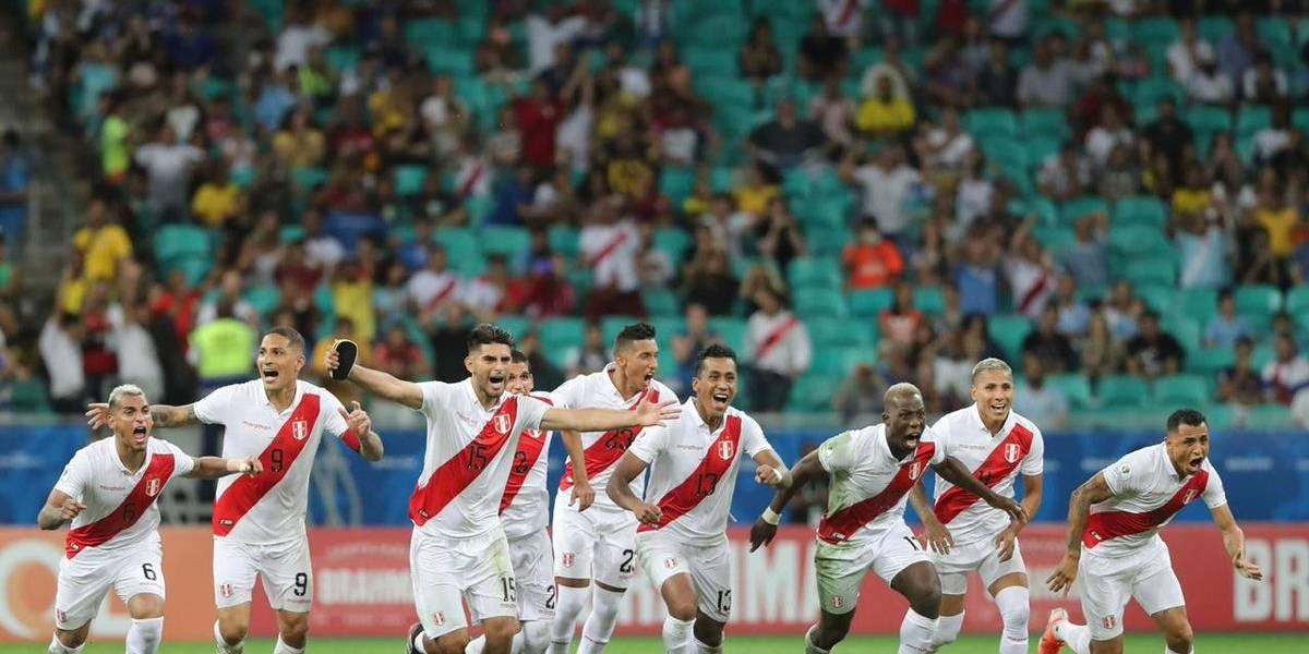 Perú sorprendió a Uruguay y clasifica a semifinales