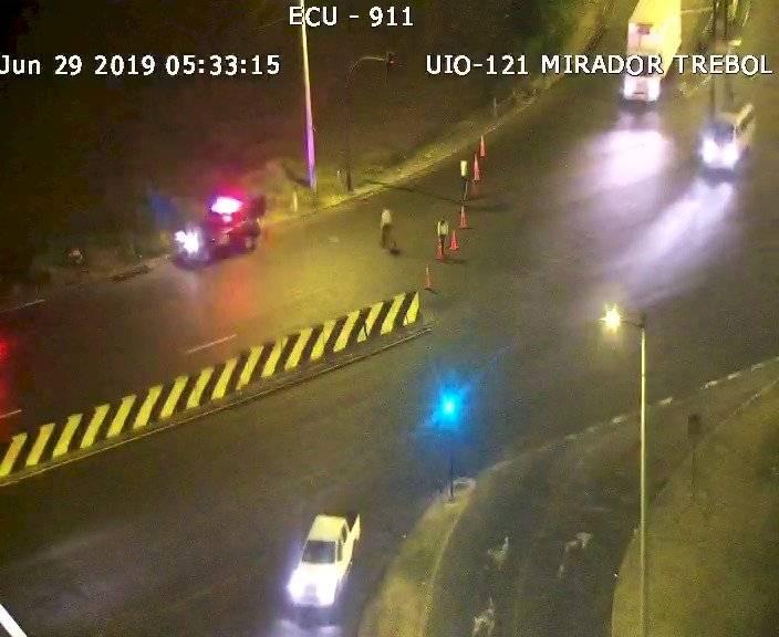 Quito: Cuatro fallecidos y un herido en accidente de tránsito en la avenida Velasco Ibarra
