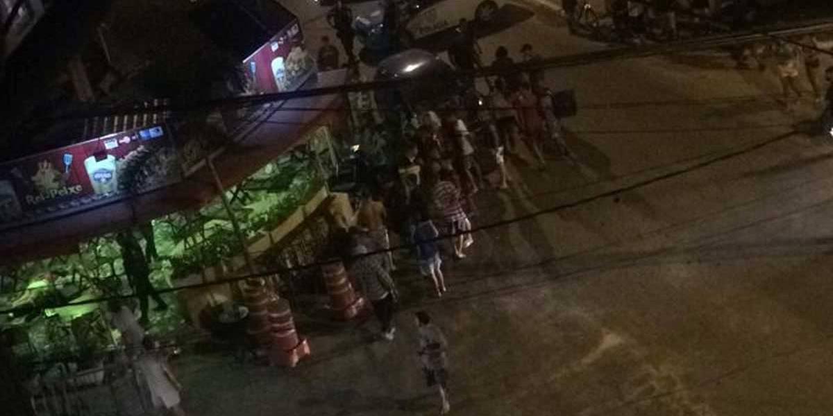 Quatro pessoas são mortas e 13 ficam feridas em chacina na Baixada Fluminense