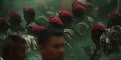 Kaibiles marchan por el Día del Ejército.