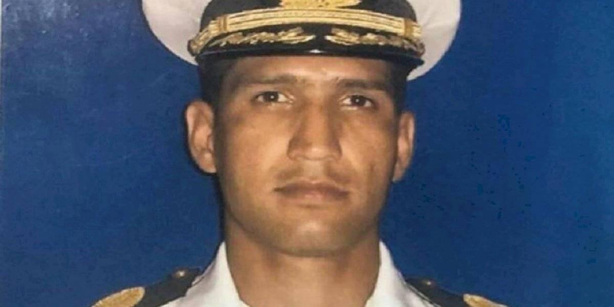 """""""16 arcos costales fracturados"""": la polémica por la autopsia de capitán Acosta Arévalo muerto bajo arresto en Venezuela"""