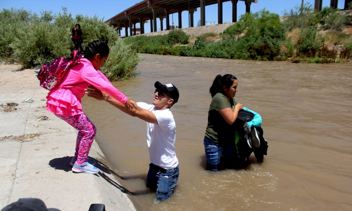 El departamento de protección civil y el grupo Beta del Instituto Nacional de Migración (INM) iniciaron un operativo en el Río Bravo. Foto: Cuartoscuro