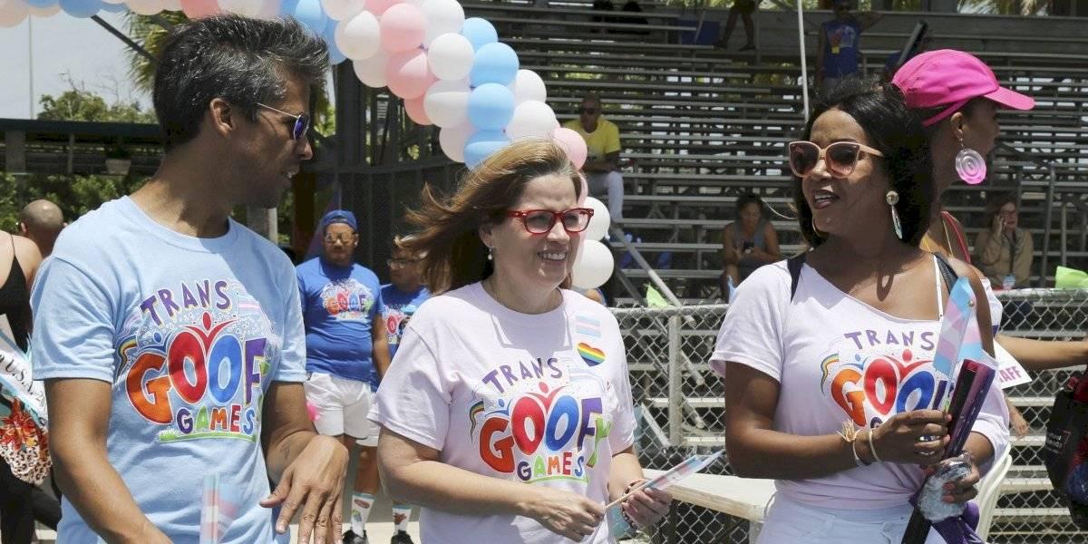 Carmen Yulín firma orden ejecutiva para declarar el Día del Orgullo Trans