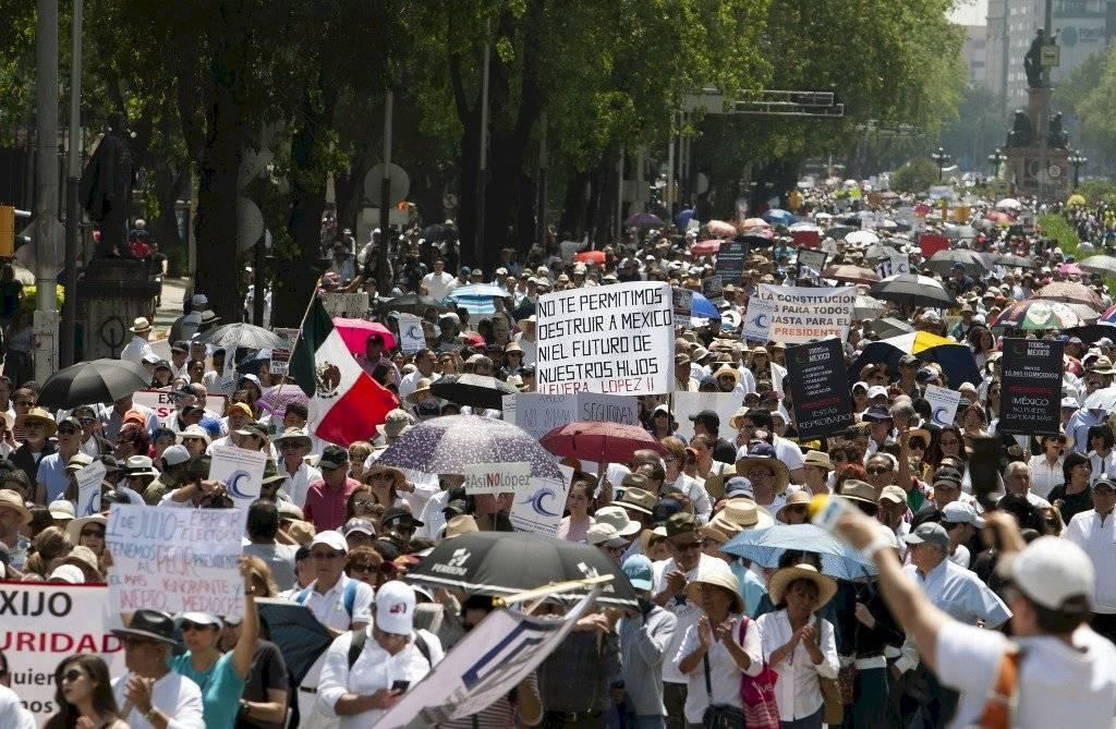 Protestan en contra de López Obrador