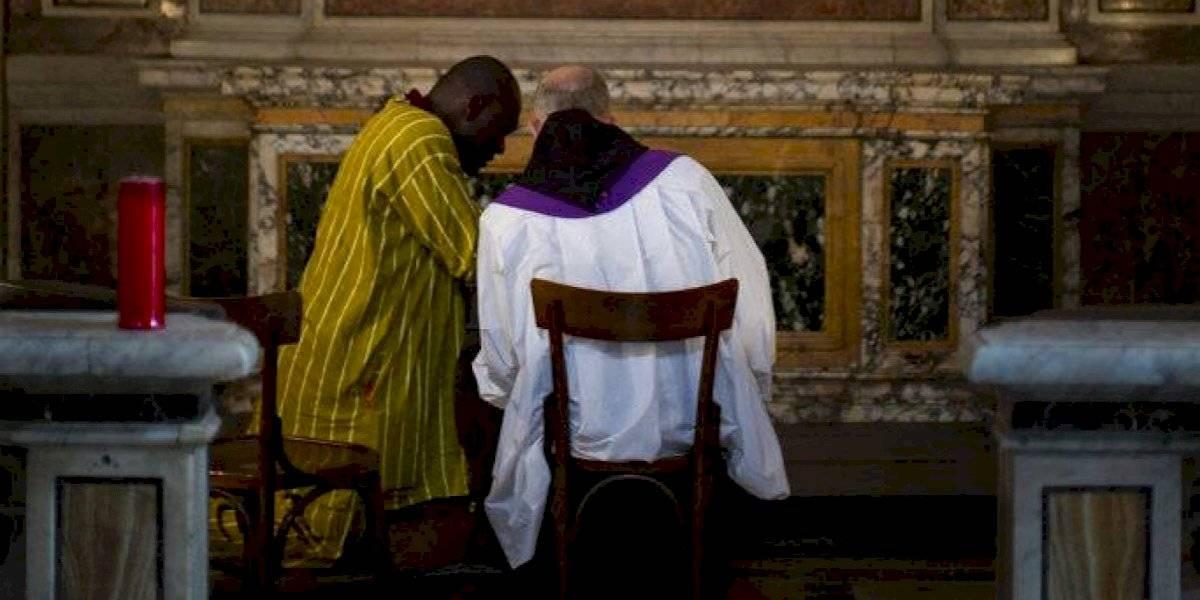 Vaticano defiende secreto de confesión pese a escándalos
