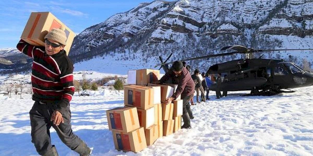 Entregan ayuda a los más de 4 mil habitantes de Alto Biobío que permanecen aislados por nevazones