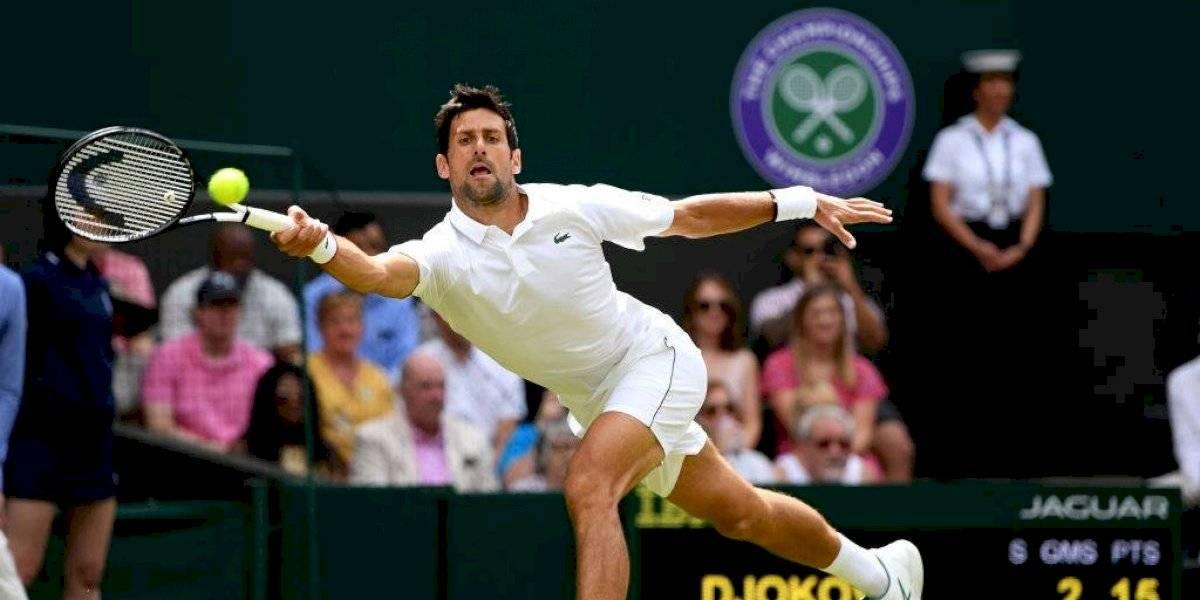Djokovic debuta con triunfo en Wimbledon; Tsitsipas, Zverev y Osaka, eliminados