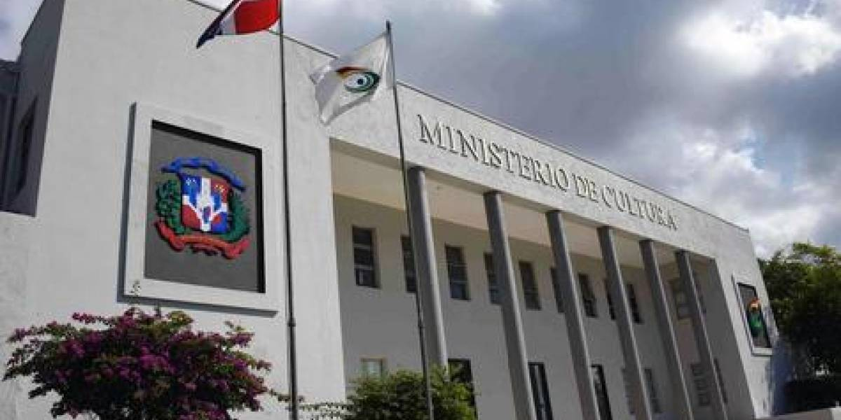 "Cultura anuncia convocatoria ""Vl Festival Nacional de Teatro Santo Domingo 2019"""