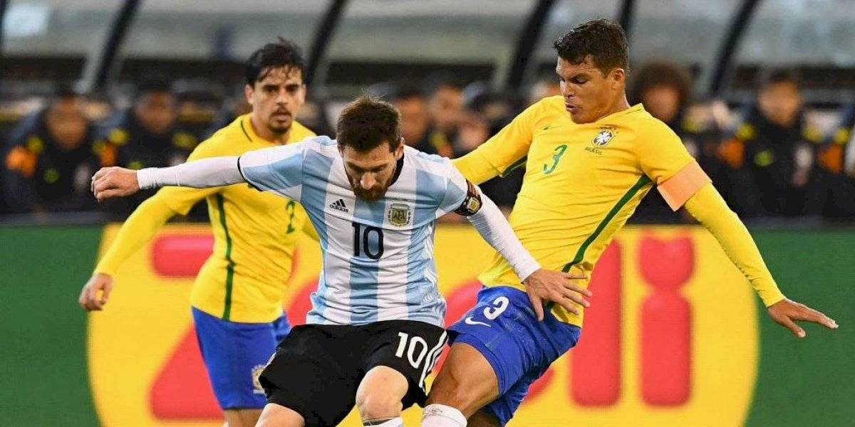 Pelé o Maradona, un bidón contaminado y peleas históricas: Los condimentos que alimentan el odio entre Brasil y Argentina
