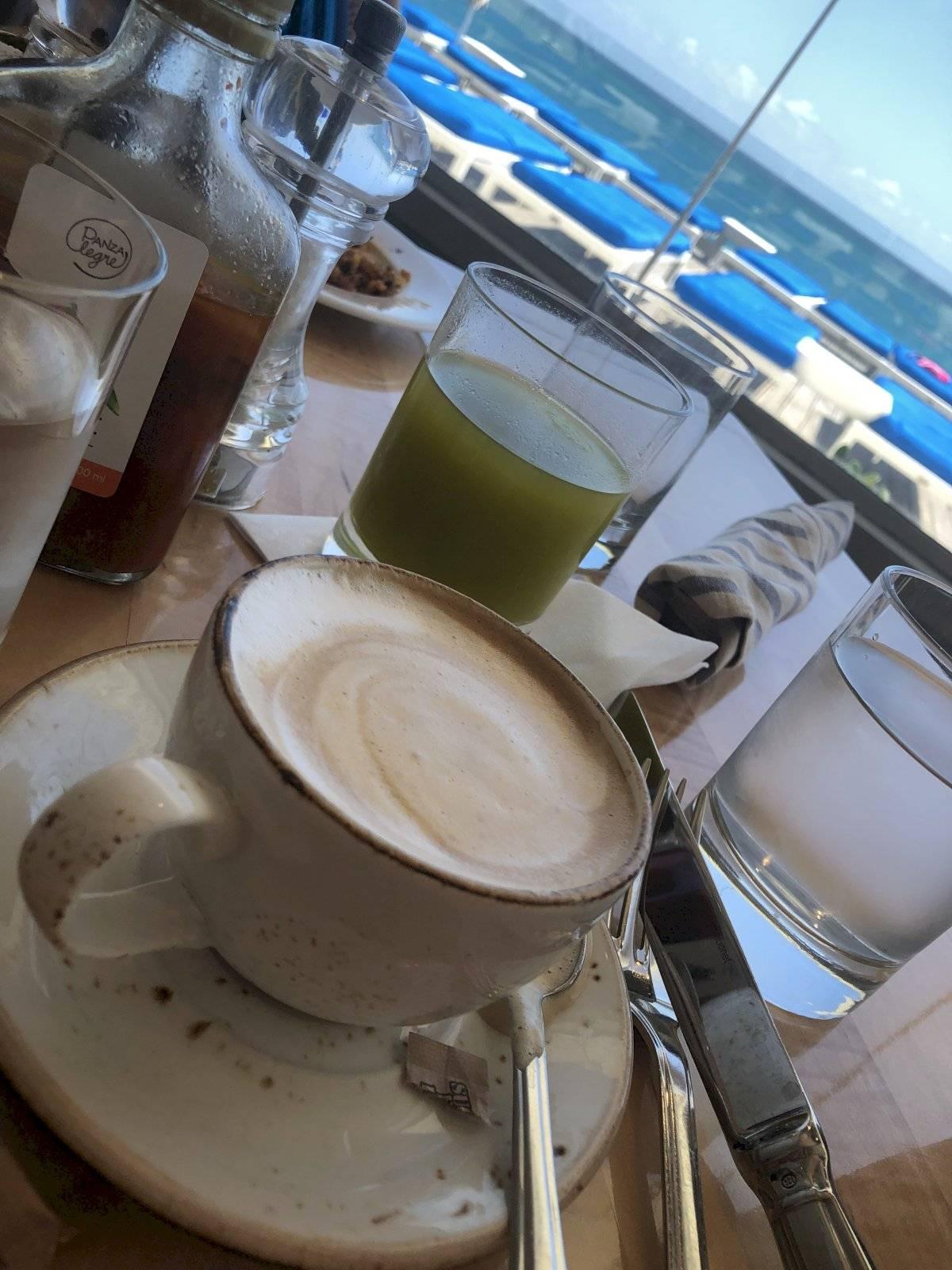 Vista desde el desayuno en Ola.