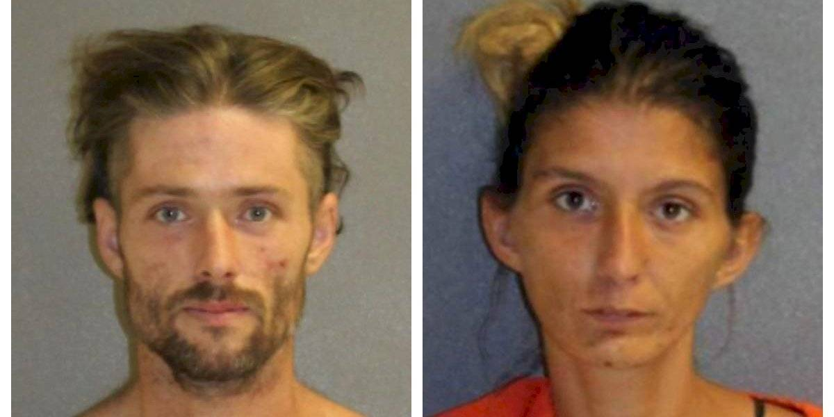 Se estaban drogando en un auto con 40º y su hija de 2 años al lado: había cucarachas, comida podrida y la menor tenía una herida abierta con pequeños insectos