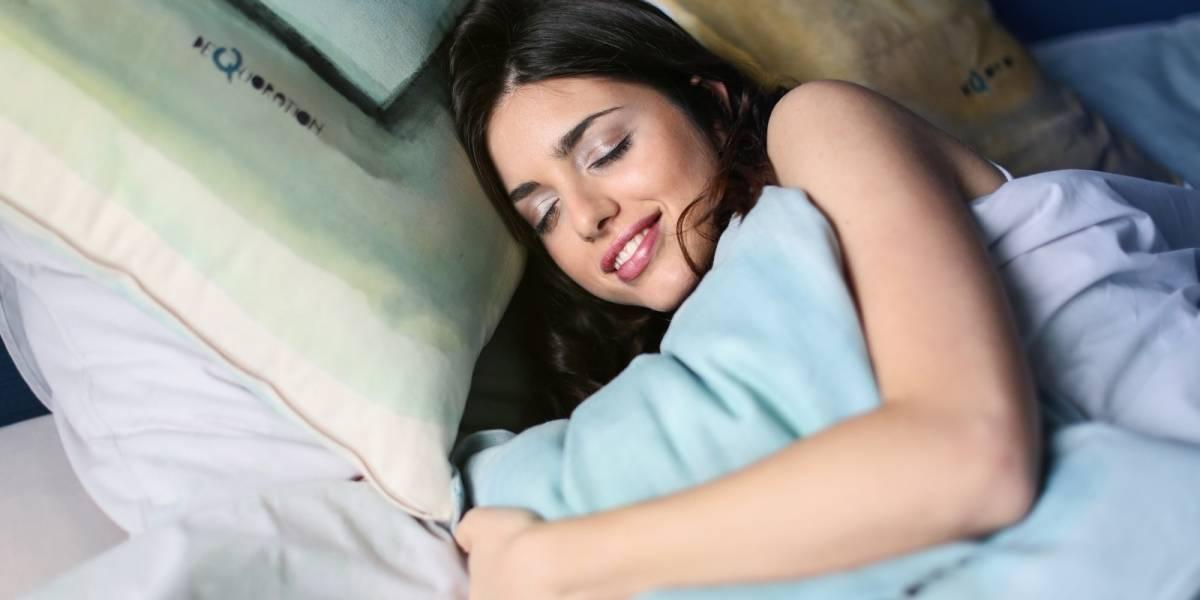 Casais que dormem em camas separadas fazem sexo com mais frequência, diz estudo