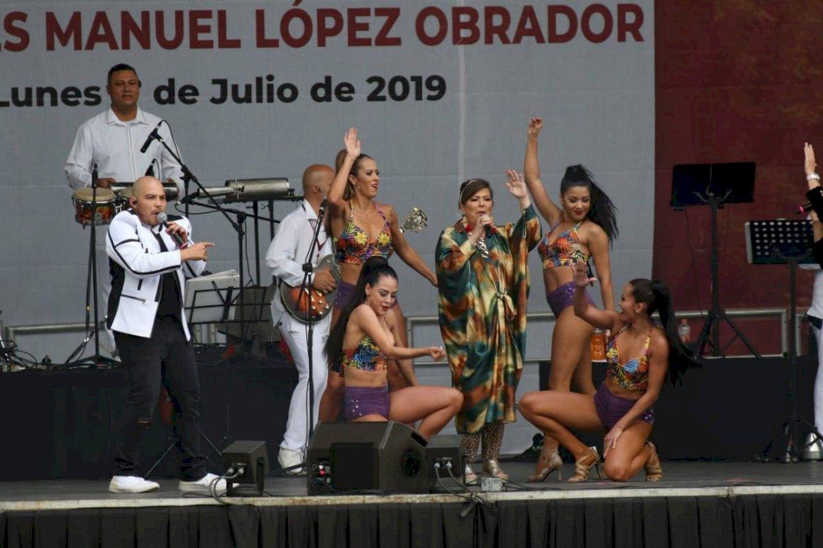 Margarita fue una de las presentaciones musicales en apoyo a AMLO Foto: Nicolás Corte | Publimetro