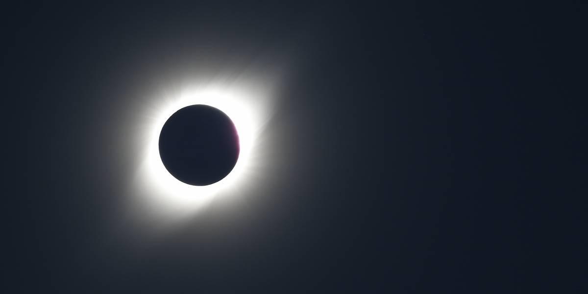 Não acompanhou o eclipse solar total? Confira as melhores imagens do fenômeno