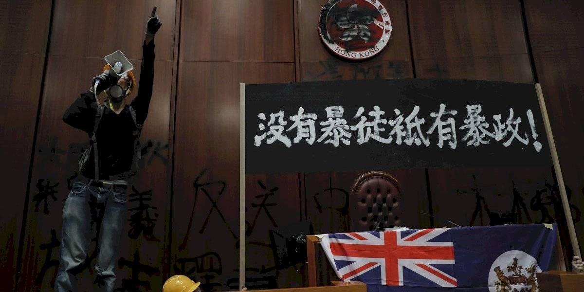 China se indignó por la ocupación del Parlamento de Hong Kong
