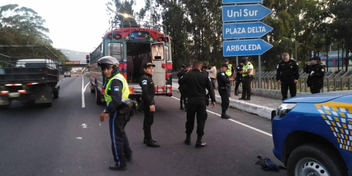 Ataques armados simultáneos dejan al menos cuatro muertos