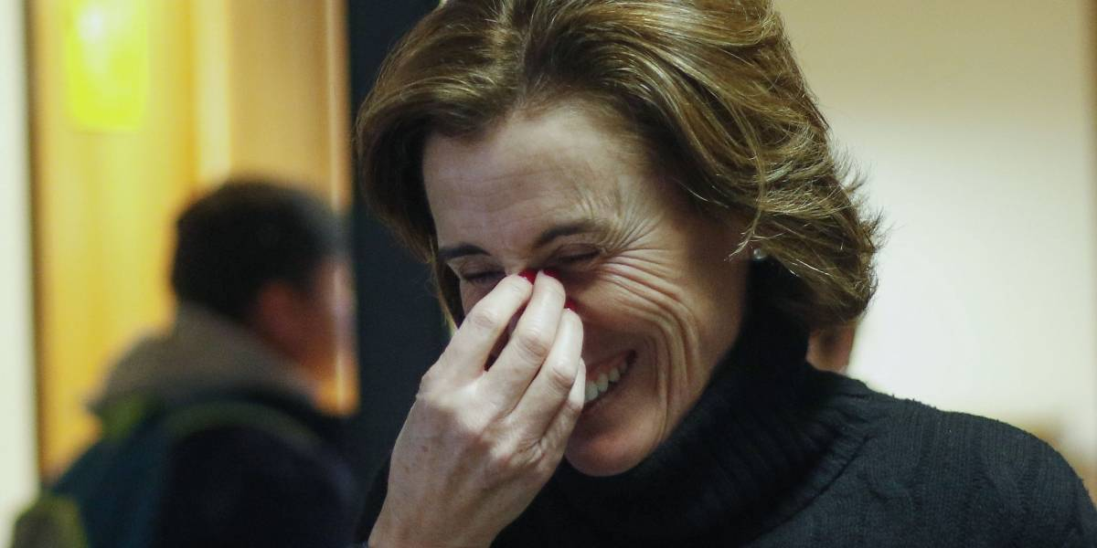 Otra polémica para la ministra Cubillos: no llegó a sesión especial por paro de profesores por viajar a ver el eclipse