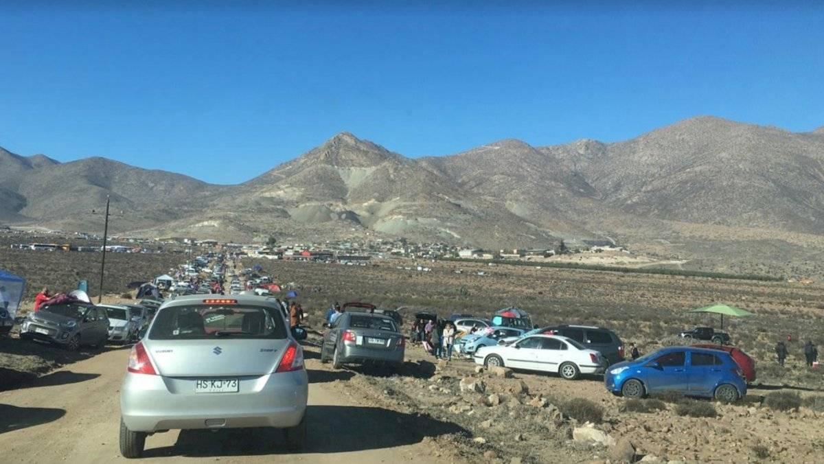 Miles de personas llegaron a La Higuera, lugar donde el eclipse alcanzó su mayor magnitud en el norte de Chile. Por la mañana el tráfico estaba colapsado en la comuna con un poco más de 4 mil personas que ayer dobló su población con los visitantes Pilar Gil