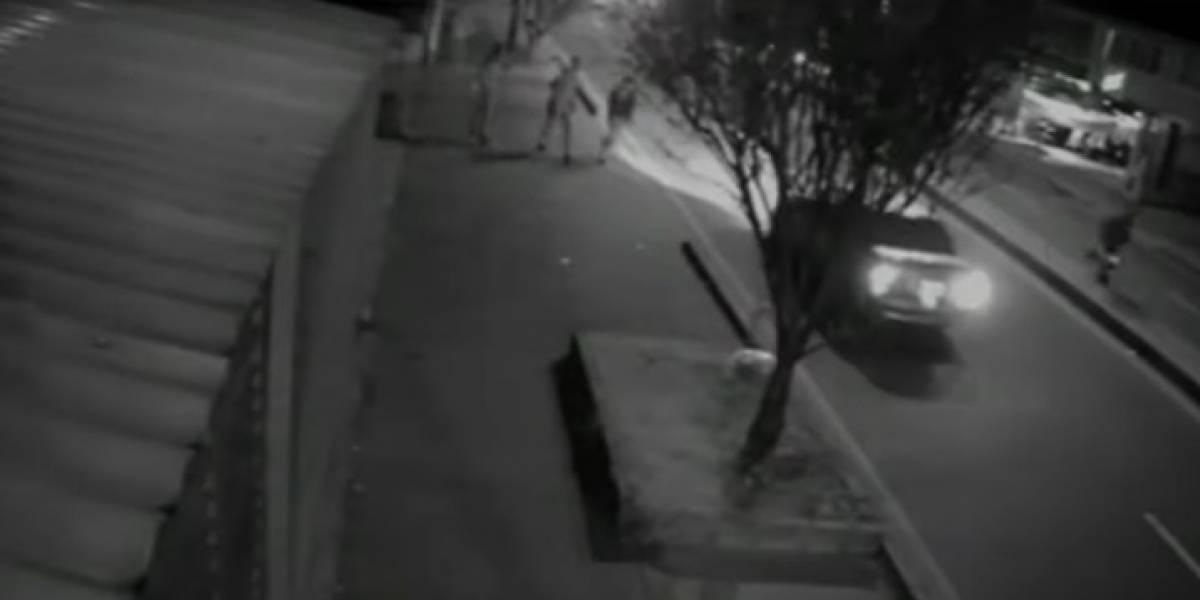 Video: así apuñaló un habitante de calle a un transeúnte en Bogotá