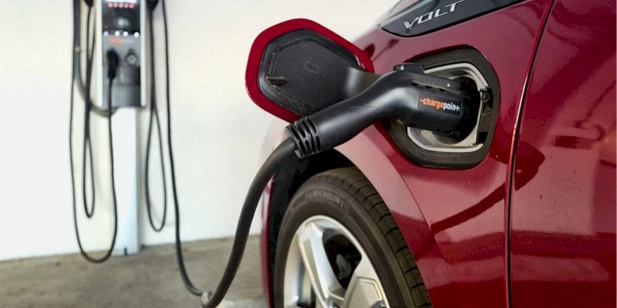 Insólito: autos eléctricos deben sonar como uno normal para evitar accidentes