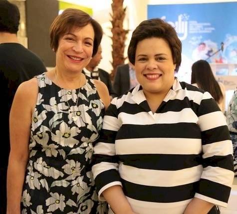 Carmen Esteva y Anya Damirón.