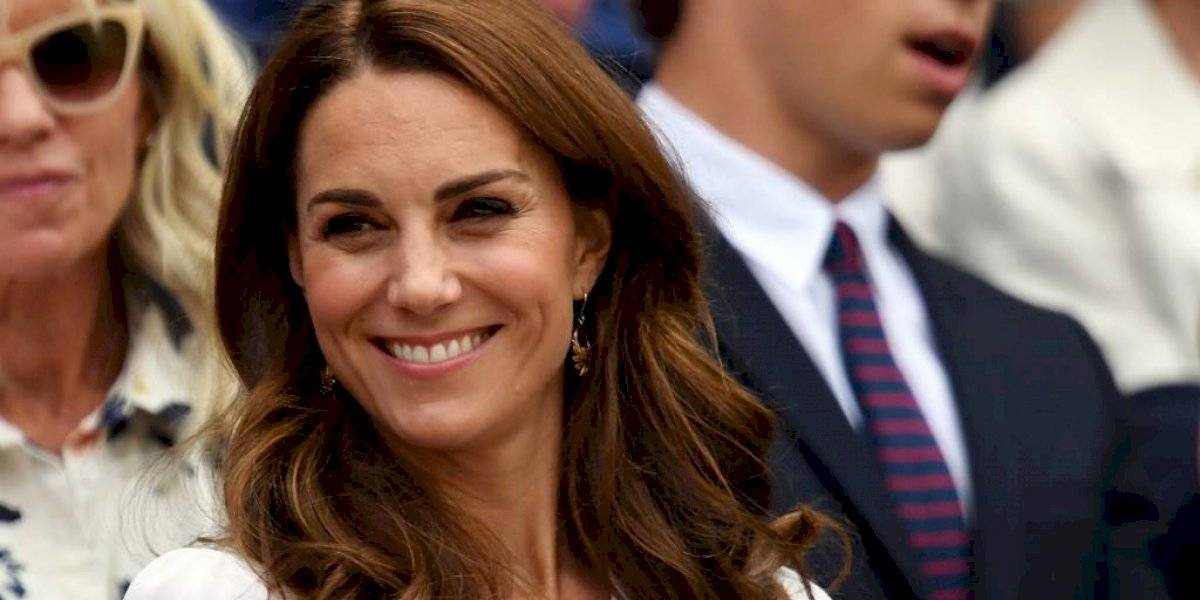 Kate Middleton se muestra como nunca antes, en shorts en evento público
