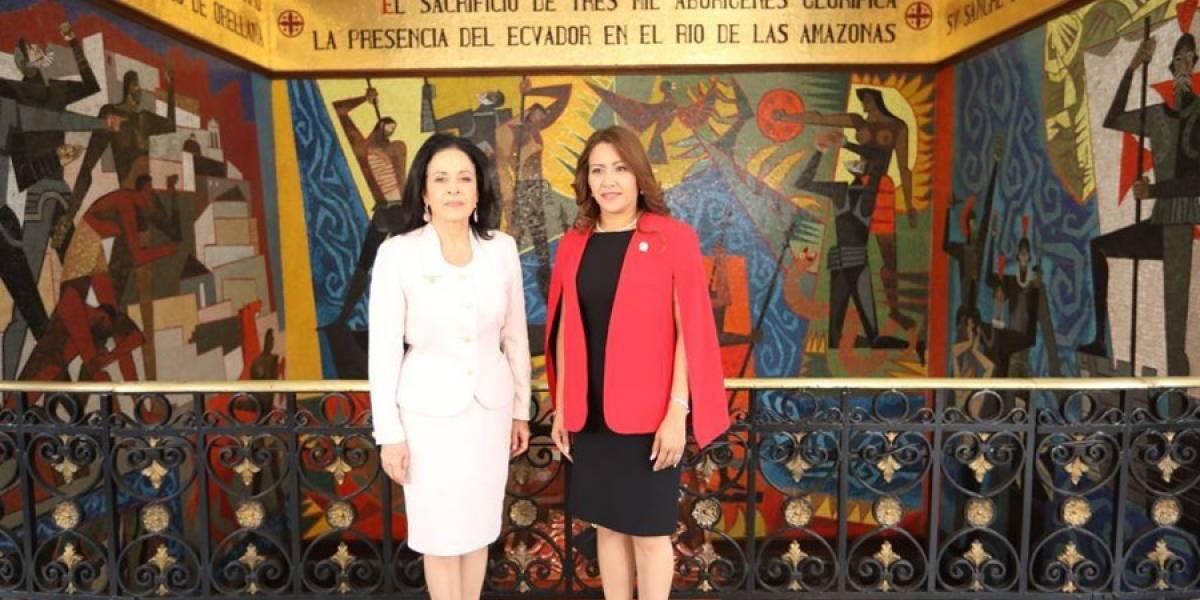 Primera Dama de la Nación viaja a Ecuador