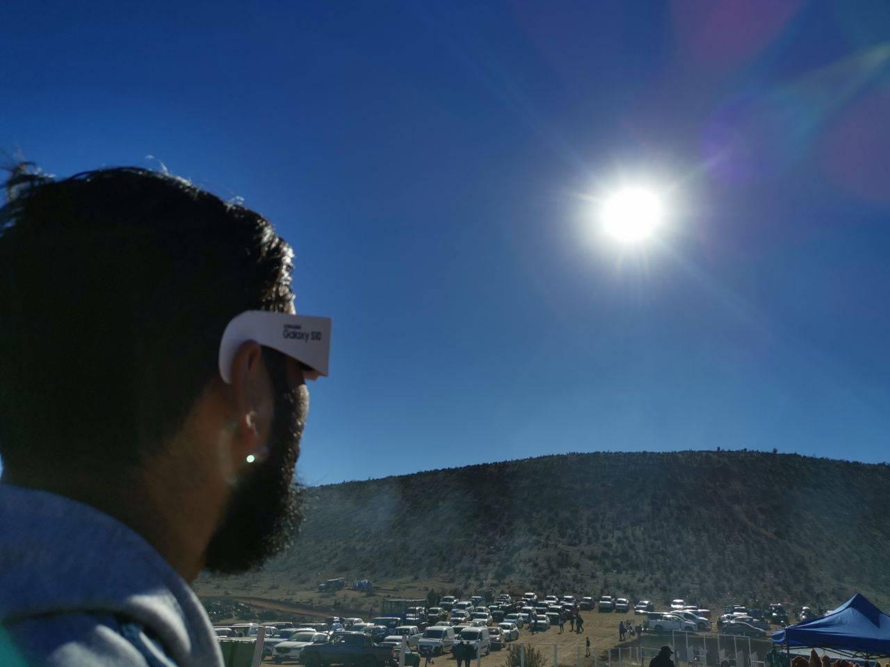Viendo el eclipse