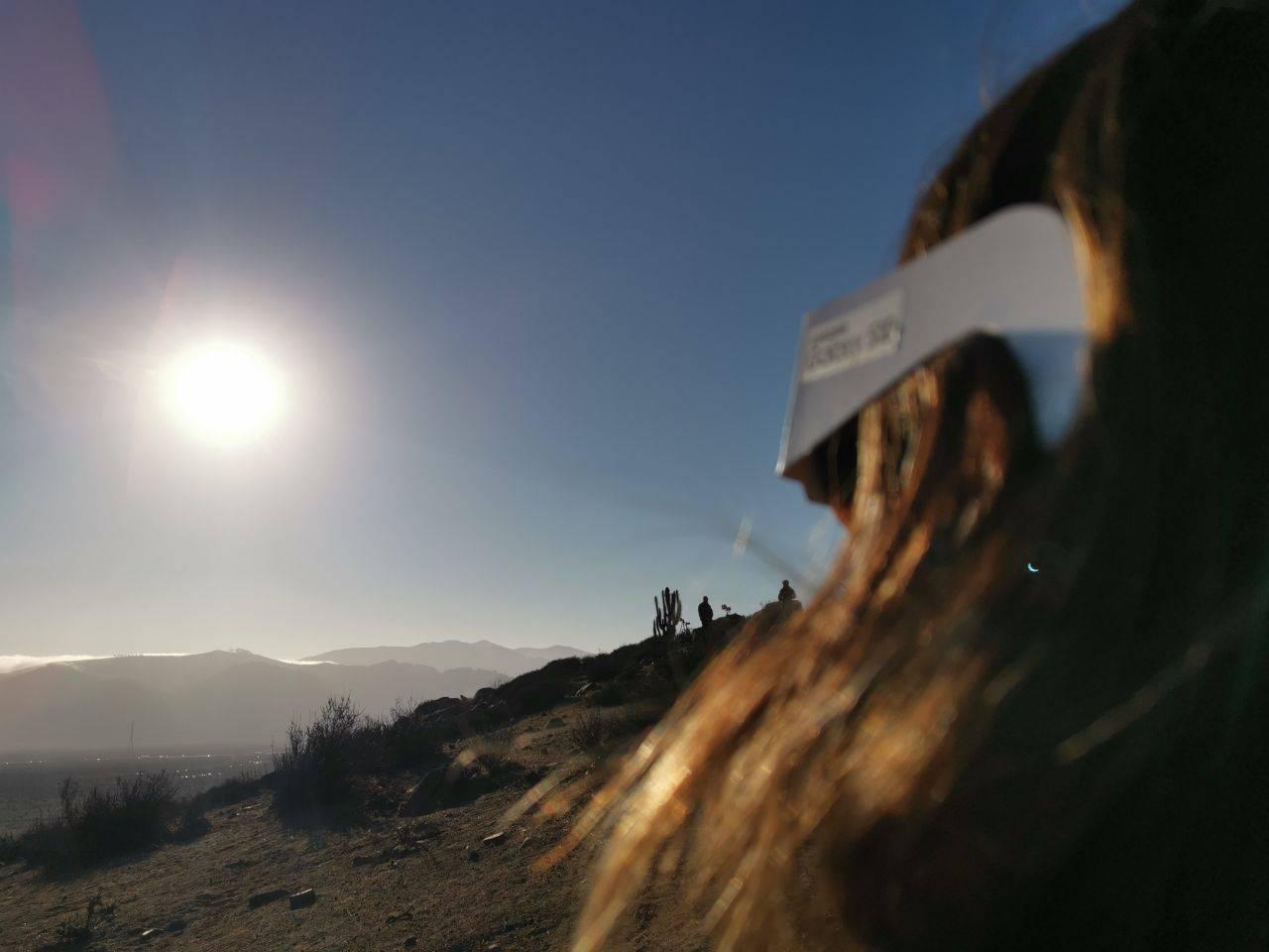Mirando el eclipse