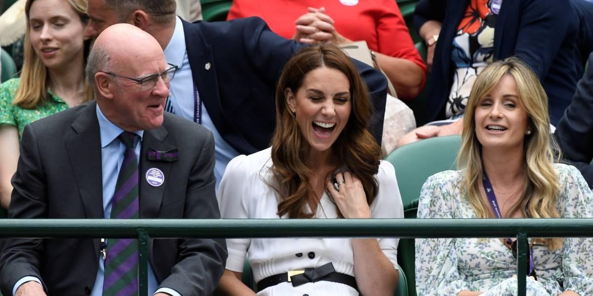 A princesa Eleanor se inspira em Kate Middleton para um visual confortável e elegante