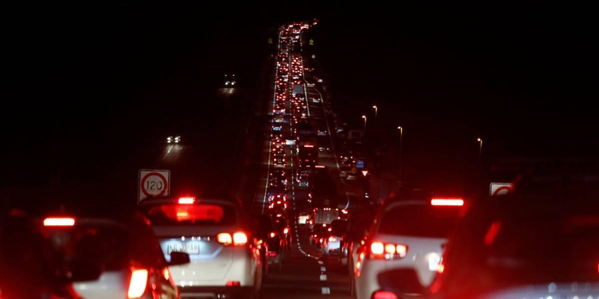 """El retorno se prolongó hasta por 12 horas: tacos kilométricos en la Ruta 5 Norte """"eclipsaron"""" el retorno desde Coquimbo"""