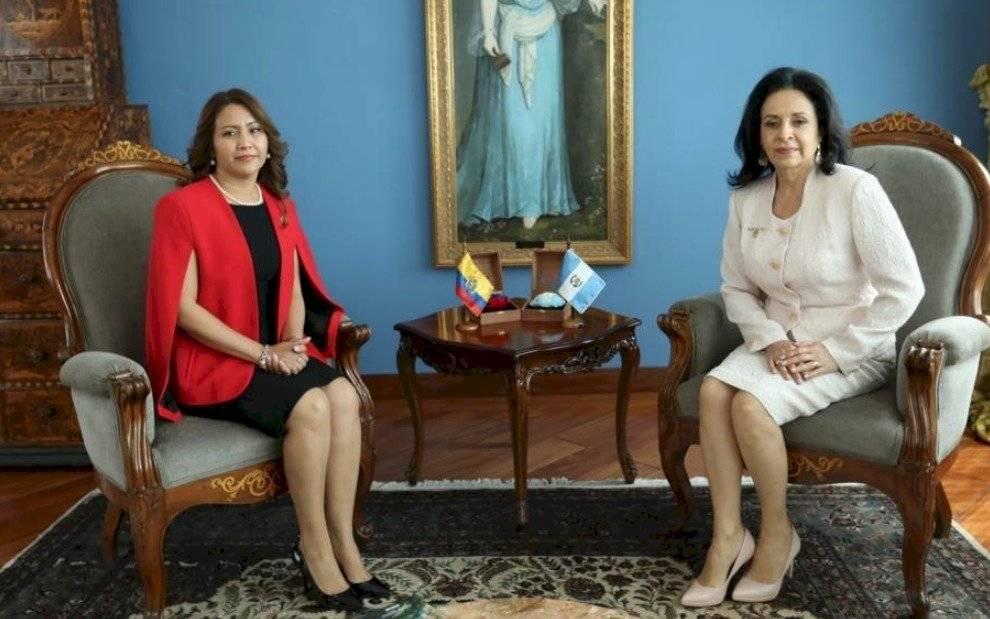 Primeras damas Ecuador y Guatemala firman convenio en favor de discapacitados
