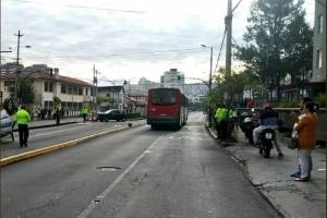 Accidente de tránsito con patrullero se registra en Quito