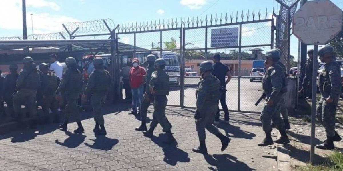 Doce privados de la libertad fallecieron en amotinamientos durante el estado de excepción en cárceles de Ecuador