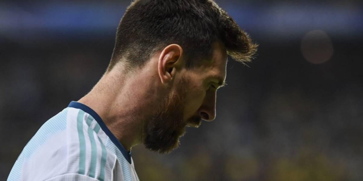 """Messi va a seguir """"ayudando"""" a la Albiceleste, pero arremete contra Conmebol y el VAR"""