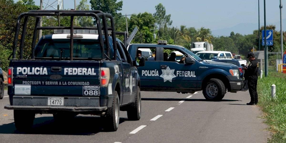 'No se va a despedir a nadie', asegura AMLO a policías federales