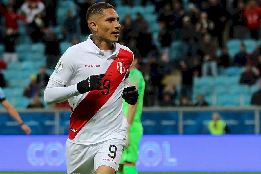 Paolo Guerrero: Quizás no fue su mejor Copa América, pero el delantero incaico cumplió con su cuota goleadora cuando el equipo lo necesitó. El atacante sigue en un gran nivel. Photosport