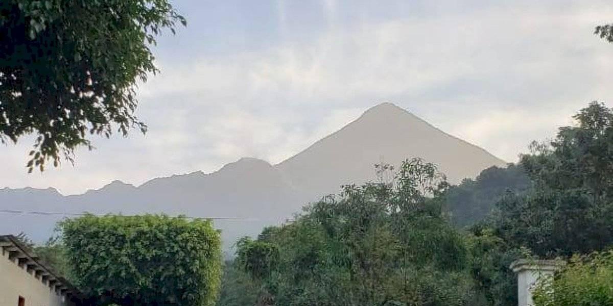 Volcán Santiaguito alerta a la población por incremento de explosiones