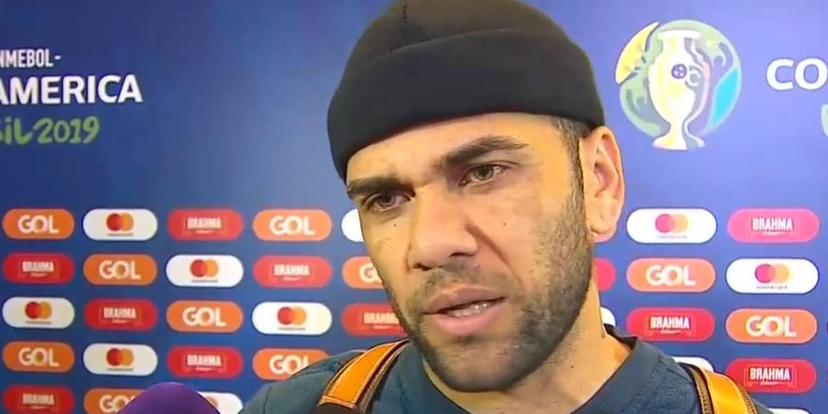 Dani Alves se suma a las fuertes críticas del arbitraje de Roddy Zambrano
