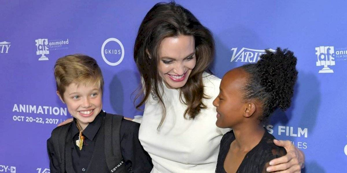 Filtran fotos de Zahara Jolie-Pitt de la mano de Millie Bobby Brown en una cita de chicas