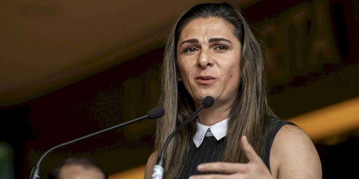 Ana Guevara responde a Chatón Enríquez: 'las becas vitalicias siguen'