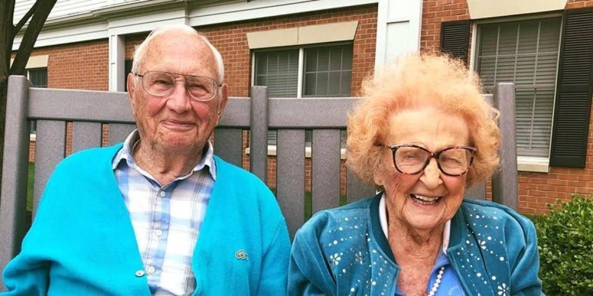 Aos 100 e 102 anos, homem e mulher se casam nos EUA