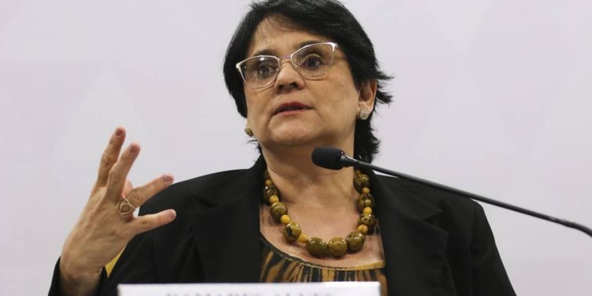 Sociedade São Vicente de Paulo recebe doações da ACSP em solenidade com Damares Alves